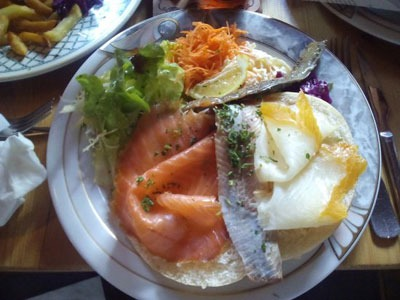 estaminets-en-nord-Heuvelland-De-Tere-Plekke-faluches-3-poissons-fumes