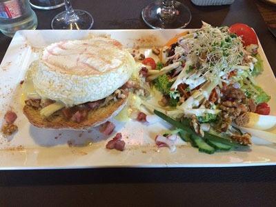 estaminets-en-nord-Loker-Den-Heksestoel-burger