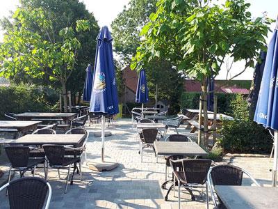 estaminets-en-nord-Loker-Den-Heksestoel-terrasse